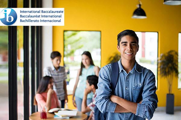 Alumnos-colegios-públicos-Latinoamérica-Programa-Diploma-desarrollan
