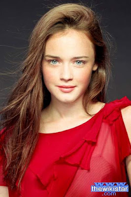 The life story of Alexis Bledel, actress and fashion model American.