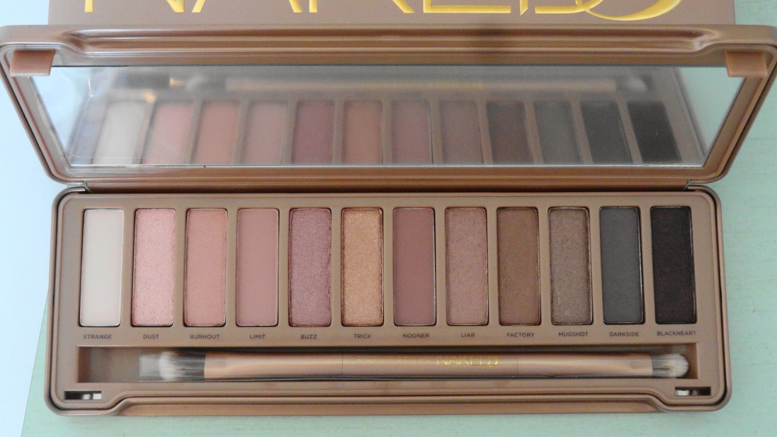 Savvy Beauty Naked3 By Urban Decay-9063