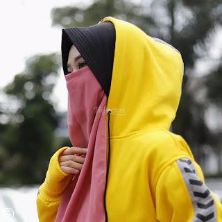 """▶️ Ukuran : ALL SIZE FIT TO L  ▶️ Material : Premium Fleece yang """"SOFT TOUCH"""" langsung dari pabrik pengolah kain berpengalaman  ▶️ Proses : Dibuat Handmade dengan penjahit terbaik yang berpengalaman lebih dari 5 tahun  ▶️ Sablon Berkualitas  ▶️ Bukan sekedar fashion. Namun menguatkan """"JATI DIRI / IDENTITAS"""" Hijaber yang modis dan stylish"""