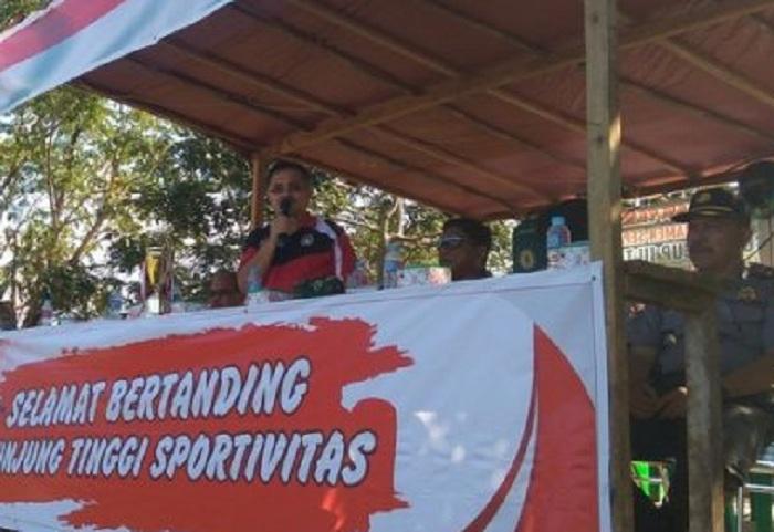 Pembukaan Turnamen Sepak Bola Bupati CUP 2018 Sekadau