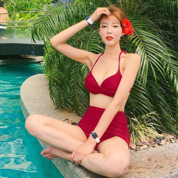 Bikini tai Gia Lam