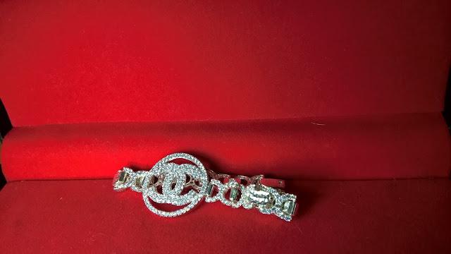 trangsuc.top - Lắc Tay Chanel Đính Đá Trắng Cao Cấp MSL001 - Giá: 700,000 VNĐ - Liên hệ mua hàng: 0906 846366(Mr.Giang)