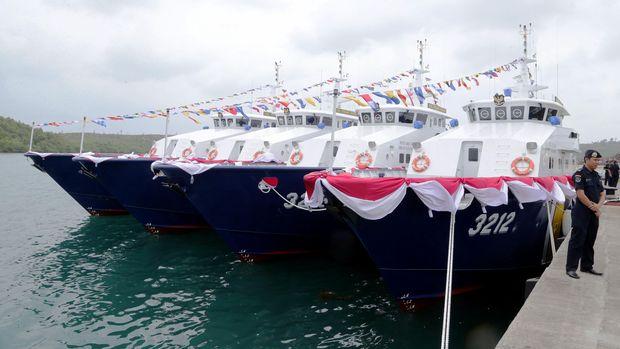 Armada Kapal Pengawas Hiu milik Kementerian Kelautan dan Perikanan ikut diterjunkan berpatroli di perairan Natuna