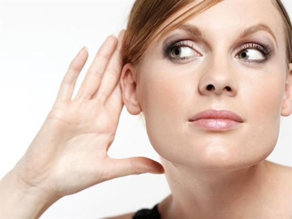 9 Penyebab Pendengaran Berkurang Dan Cara Mengatasi (Tips)
