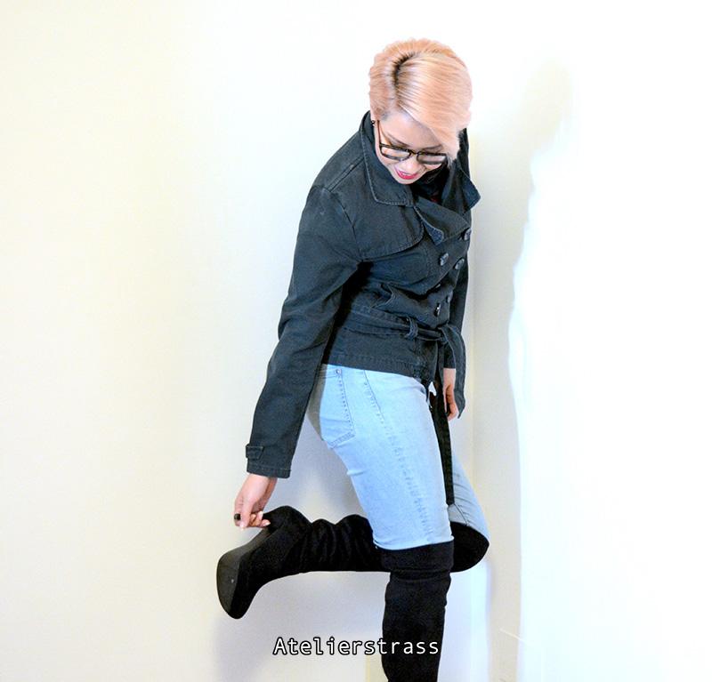 chaqueta con botas altas