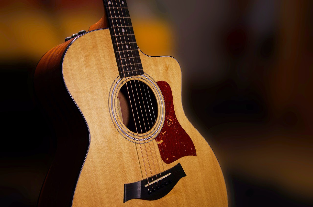 best acoustic guitars for guitar lessons to beginners. Black Bedroom Furniture Sets. Home Design Ideas