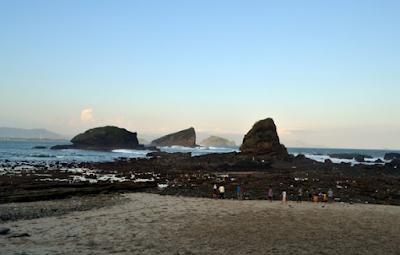 Pemandangan Pantai Papuma Jember Jawa Timur Yang Menawan