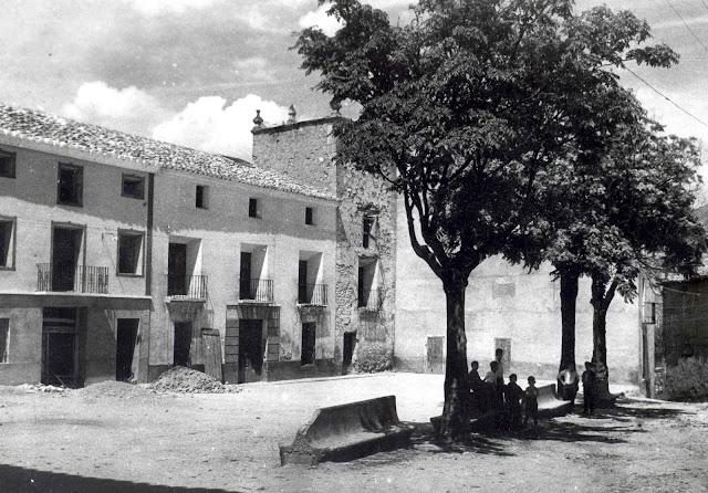 plaza-ayuntamiento-torrebaja-valencia