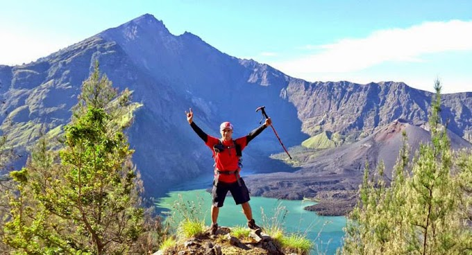 Climbing Mount Rinjani Package 4 days 3 nights starting from Senaru
