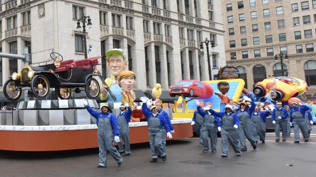 Ford - The Official Vehicle of America's Thanksgiving Parade