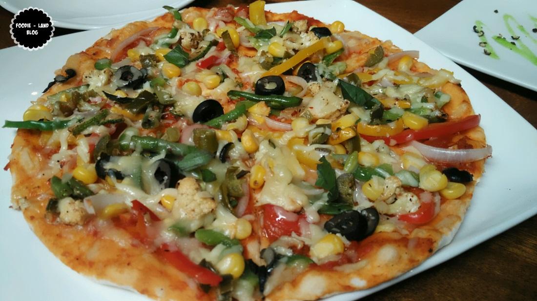 Farm House Pizza@ The Route 42 | Koramangala | Bangalore