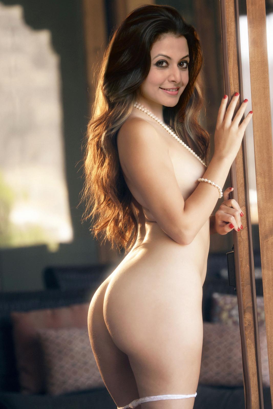 naked pics of sayantika