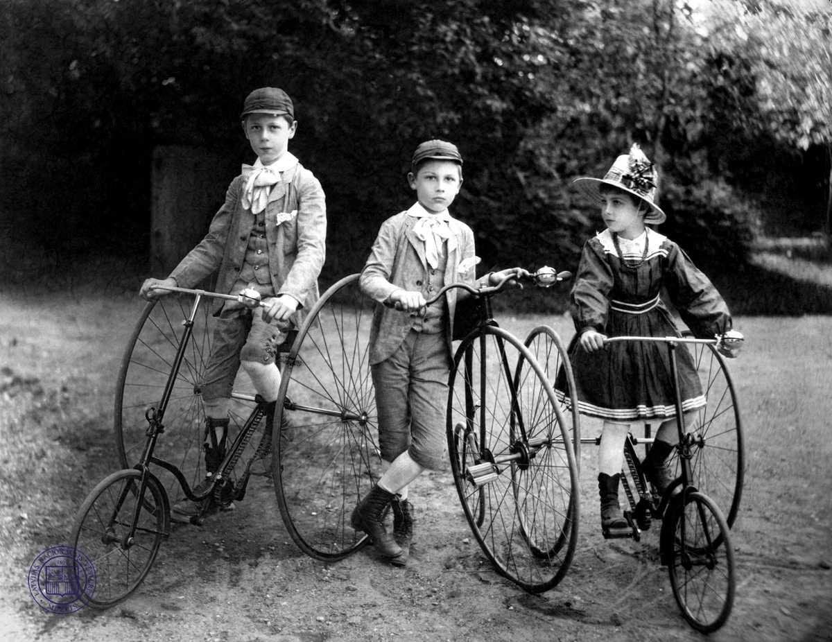 children on bikes 1900 vintage everyday