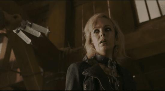 Carly (Brittany Allen) dans Jigsaw