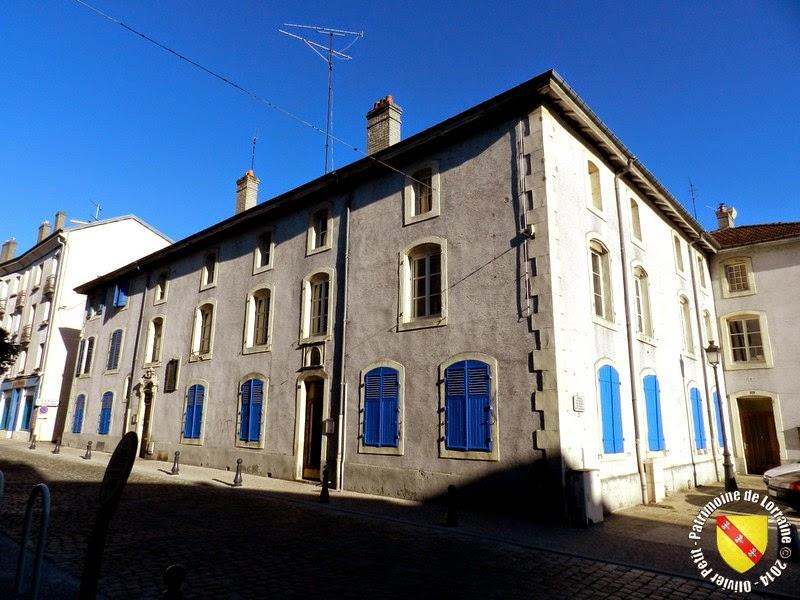 LUNEVILLE (54) - Maison de Charité (1724)