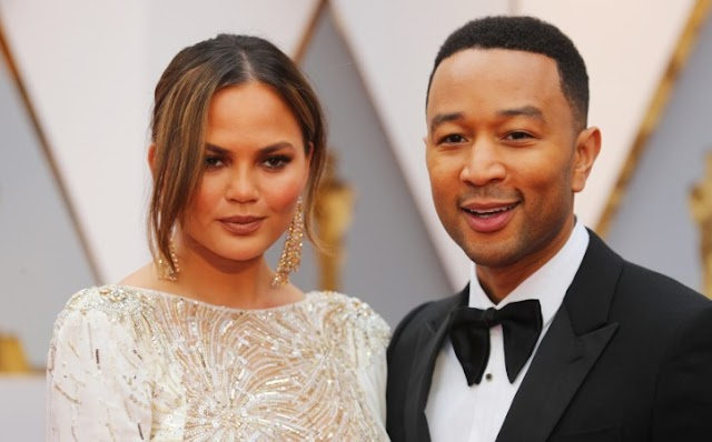 Chrissy Teigen Fell Asleep At The Oscars & Twitter Is Totally Living For It