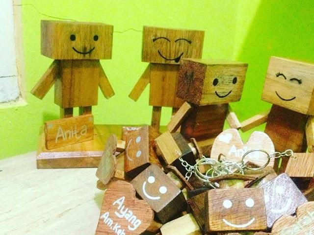 Hiasan Danbo Nan Lucu dari Limbah Kayu Kreativitas Mahasiswa UPI