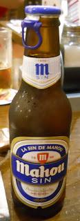 botella de cerveza mahou sin