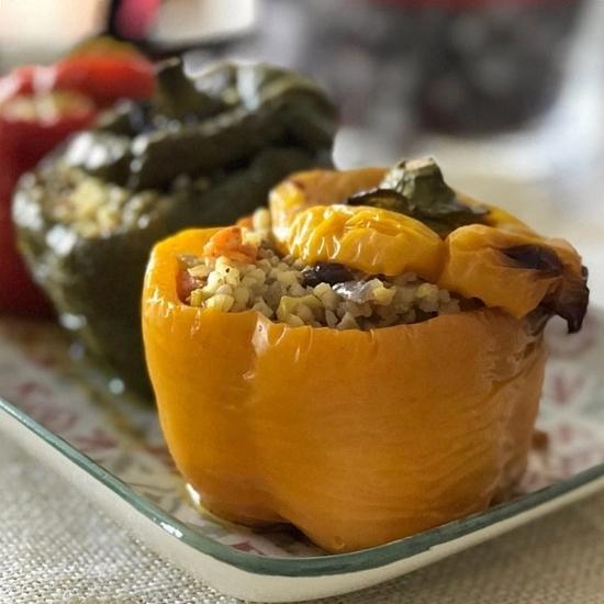 Pimientos rellenos de bulgur con verduras