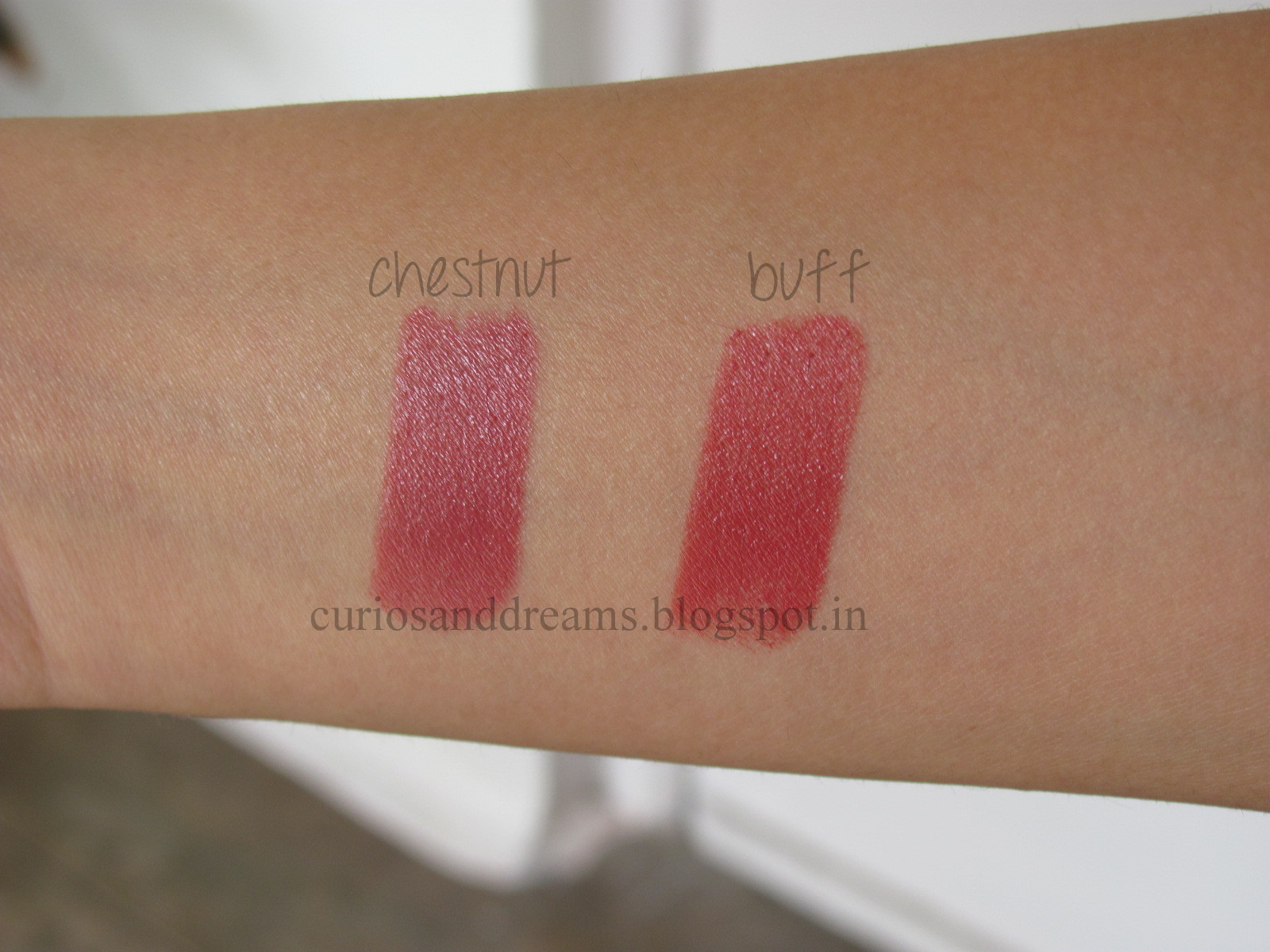 Maybelline Colorsensational Moisture Extreme Lipstick Review