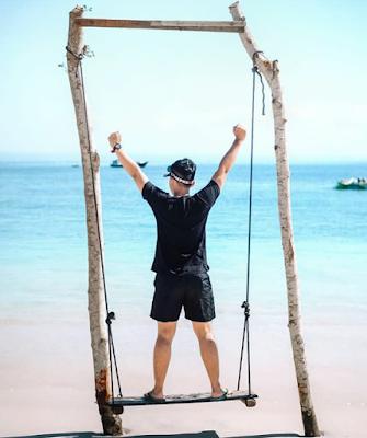 tiket masuk pantai pink lombok