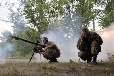 Украинские военные на позиции в Авдеевке. Фото AFP/Scanpix