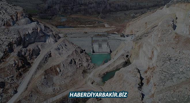 Ergani Barajında çalışmalar devam ediyor