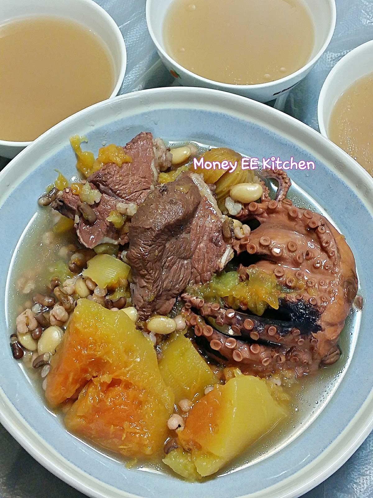 Money EE Kitchen: 木瓜鱆魚赤小豆薏米湯 (附食譜)