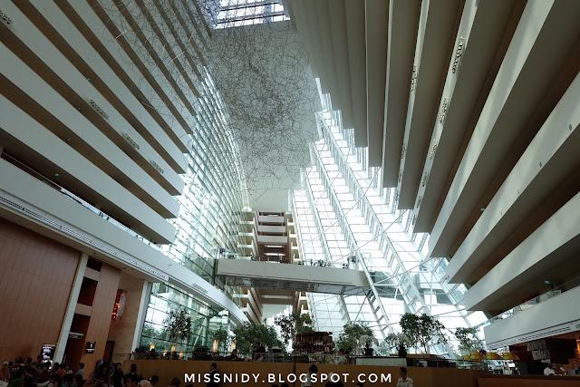 lobi marina bay sands hotel