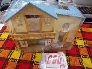 中古品のシルバニアの水色の屋根のお家990円