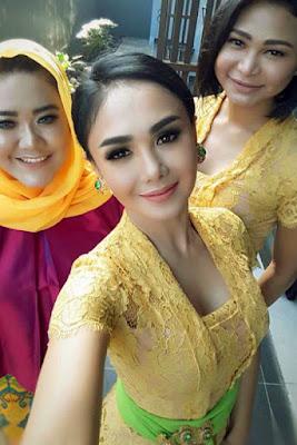 Begini Cerita Model Pemakai Kebaya 'Seksi' di Sukabumi