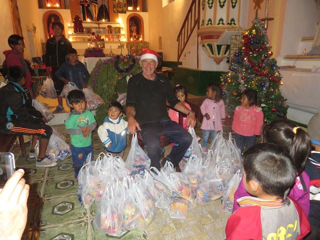 Das machte nicht nur den Kindern Freude sondern auch dem Padre und dessen Helfern