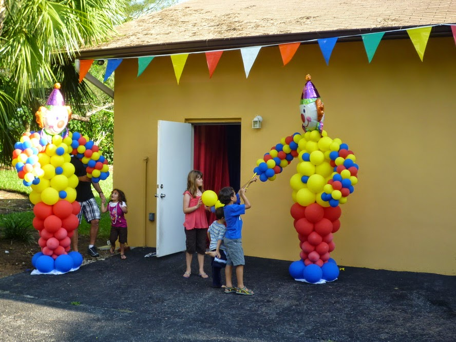 Circus themed party decoration