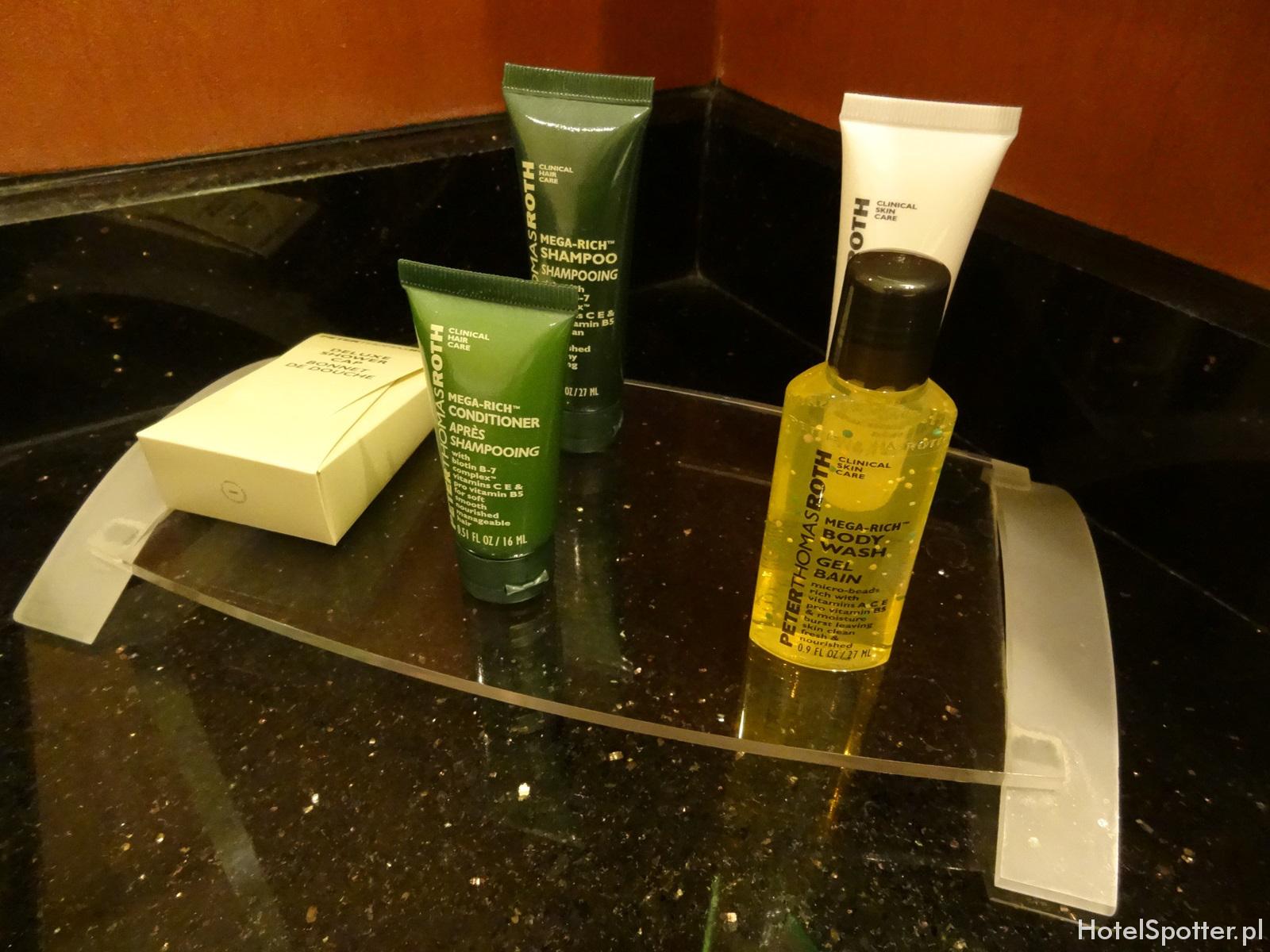 Hilton Warsaw Hotel - kosmetyki w pokoju Guest