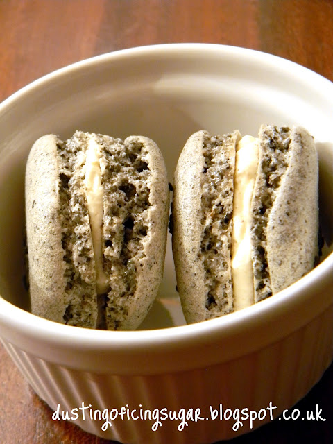 nut free black sesame macarons - dustingoficingsugar.blogspot.co.uk