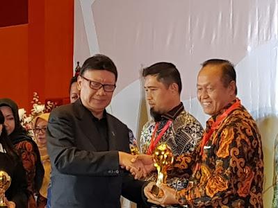 Kepesertaan JKN-KIS Tembus 98,8 Persen, Kota Mojokerto Raih UHC Award