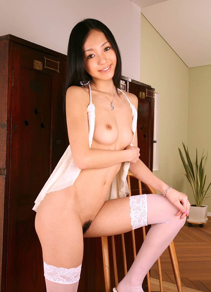 aino kishi hot nude photos 02