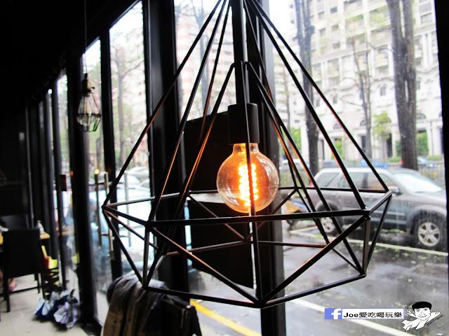 IMG 0659 - 【台中美食】1770 cafe ,置身在彩虹屋底下的美食饗宴,餐點讓你隨意搭配,想吃甚麼就搭甚麼