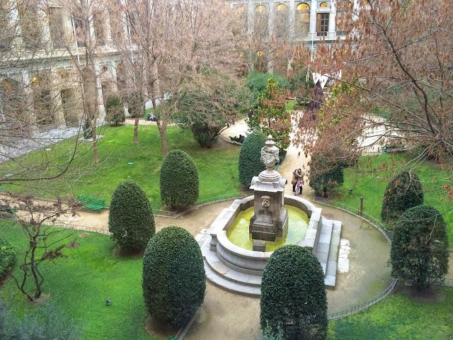 Jardim interno do Museu Reina Sofía, em Madrid