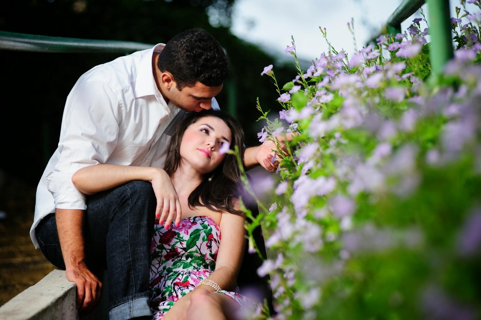 esession-casal-fotografos-noivos-flores