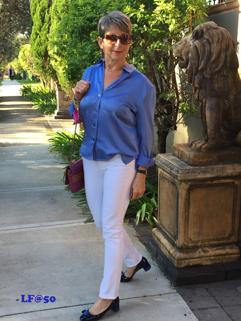WHITE JEANS AND A BLUE SILK SHIRT FOR A LUNCH DATE