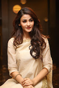 Aditi Arya new cute photos-thumbnail-15