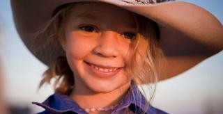 14χρονη αυτοκτόνησε μετά από ανελέτητο bullying στο διαδίκτυο – Ο πατέρας της κάλεσε τα trolls στην κηδεία της