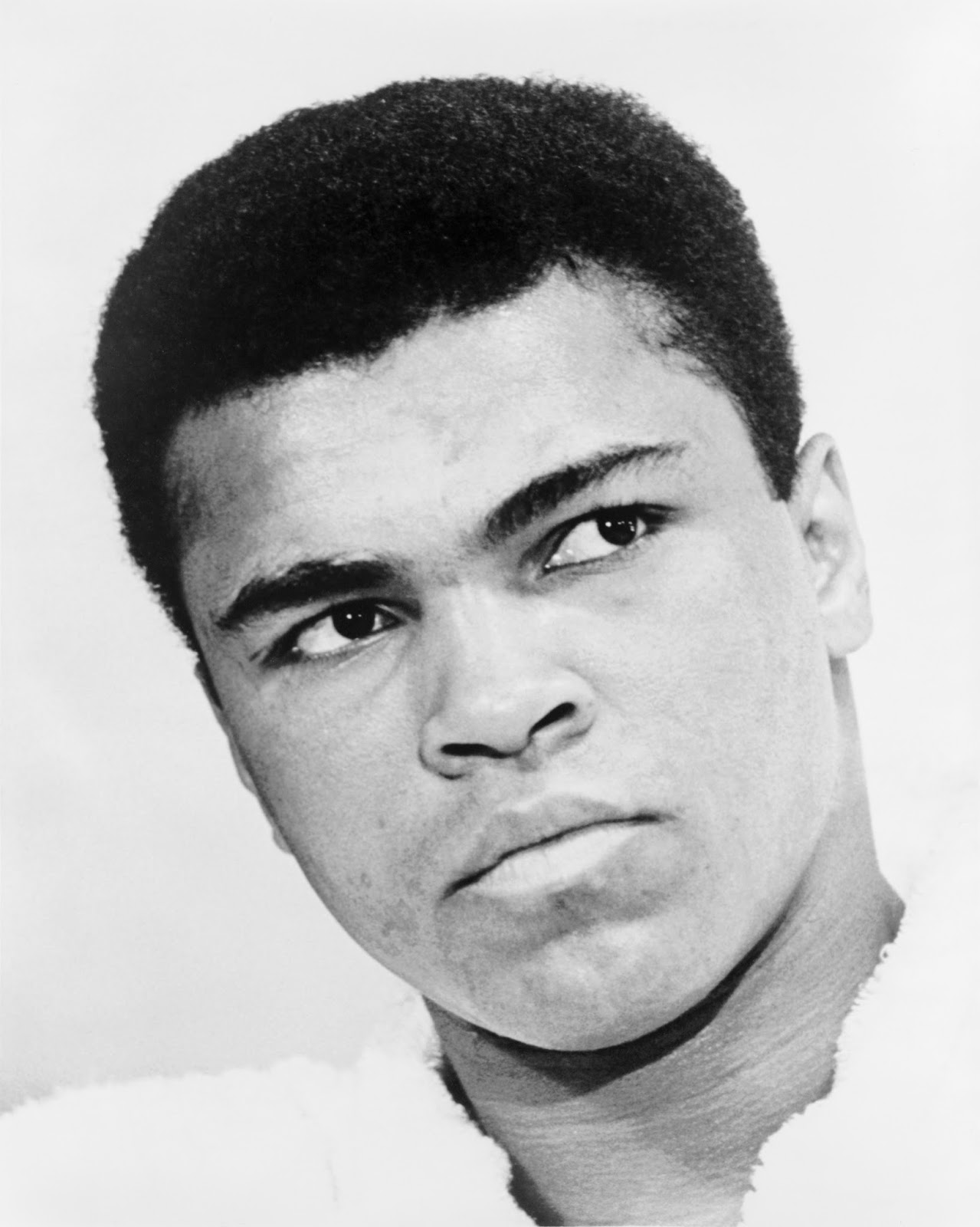a story of the life of a hero muhammad ali or cassius clay Myth now dominates our misunderstanding of muhammad ali, who was once   best example of a widely believed ali story that misses the mark and obscures   history records ali's famous strategy, the 'rope-a-dope' defense, in which   rounds after henry cooper dropped cassius clay in their first bout.