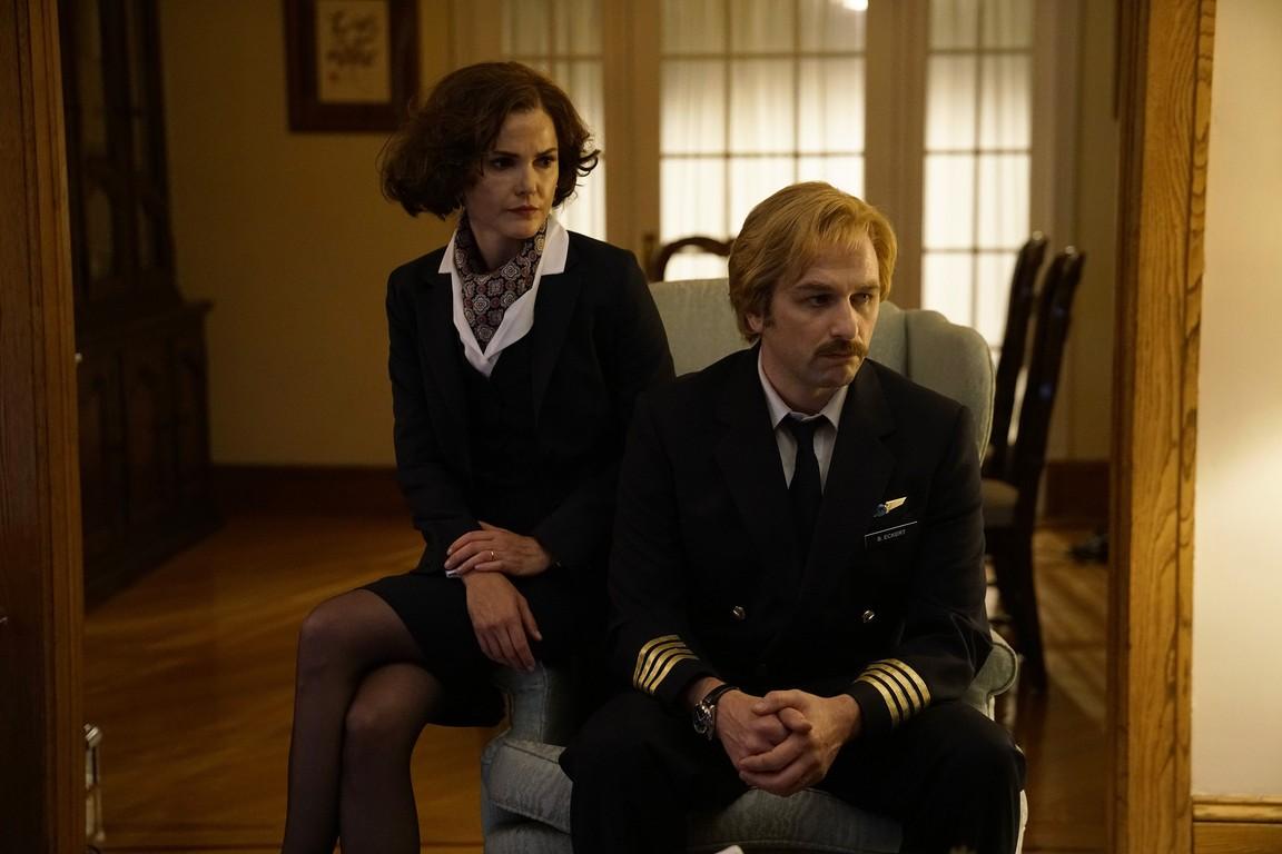 The Americans - Season 5 Episode 01: Amber Waves
