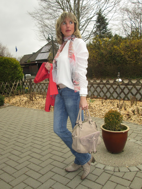 ari sunshine 40 mode blog hamburg schleswig holstein neue bluse neue jeans. Black Bedroom Furniture Sets. Home Design Ideas