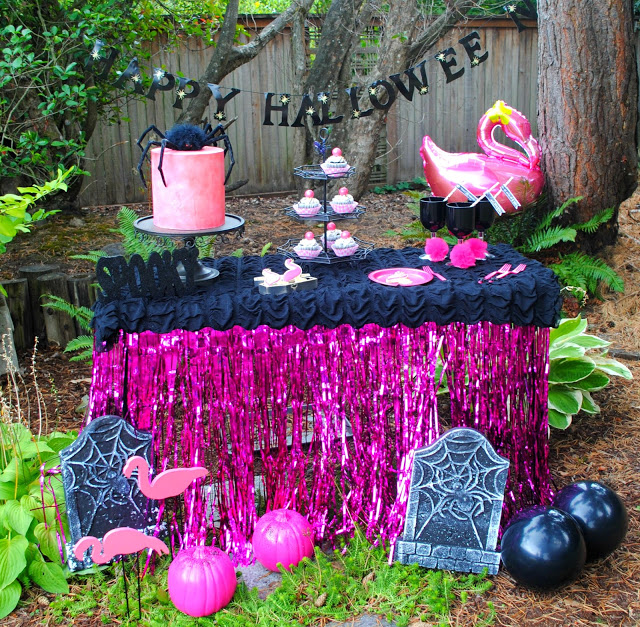 Flamingo's and spiders Halloween party styled by Fizzy Party