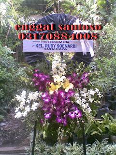 rangkaian karangan bunga duka anggrek
