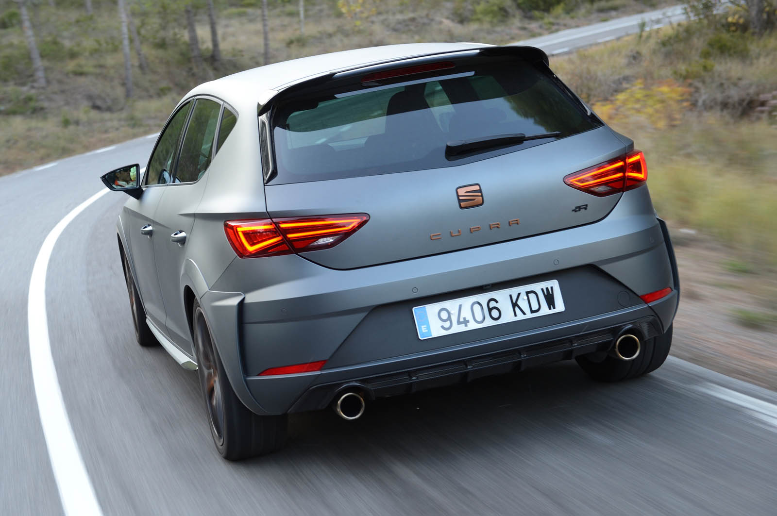 seat uk has sold out its allotment of leon cupra r hot. Black Bedroom Furniture Sets. Home Design Ideas